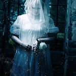 Cosplay: Woman in white