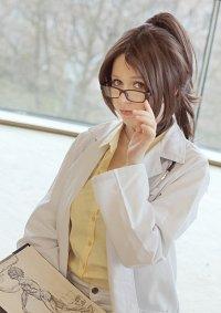 Cosplay-Cover: Hanji Zoe [Doctor]