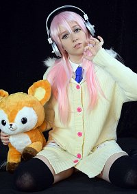 Cosplay-Cover: Super Sonico [Bunny Sweater]