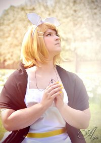 Cosplay-Cover: Rin Kagamine ~Synchronicity~