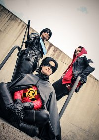 Cosplay-Cover: Tim Drake (Red Robin preboot)