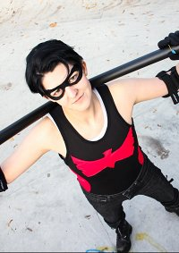 Cosplay-Cover: Dick Grayson [Low Budget Batfam]
