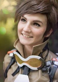 Cosplay-Cover: Tracer / Lena Oxton