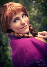 Cosplay-Cover: Anna (Winteroutfit)