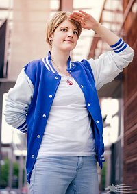 Cosplay-Cover: Steve Rogers [College Version]