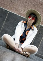Cosplay-Cover: Monkey D. Luffy - Gold/White