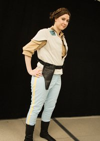 Cosplay-Cover: Leia Organa (Episode 6 outfit)