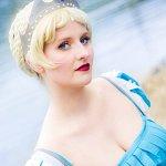 Cosplay: Historical Elsa [Design by Shoomla]