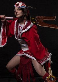 Cosplay-Cover: Bloodmoon Akali