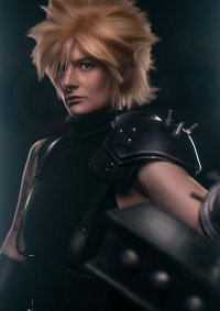 Cosplay-Cover: Cloud Strife - Remake