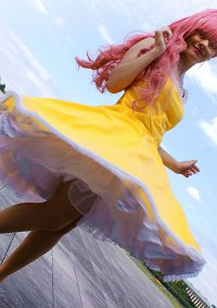 Cosplay-Cover: Raya Carmen Alonso (Jem and the Holograms)