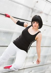 Cosplay-Cover: Faith Connors