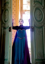 Cosplay-Cover: Elsa von Arendelle [Coronation]