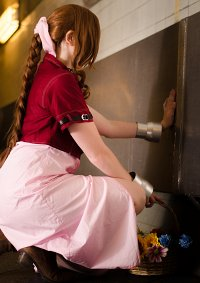 Cosplay-Cover: Aerith Gainsboroungh
