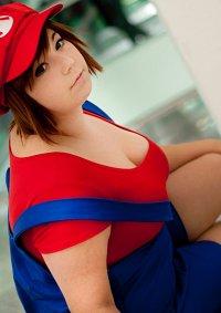 Cosplay-Cover: Super Mario [Female]