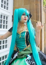 Cosplay-Cover: Hatsune Miku (Story of Evil/Daughter of Green)