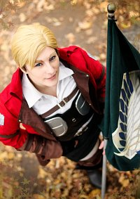Cosplay-Cover: Erwin Smith (Counter Attack)