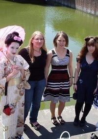 Cosplay-Cover: Geisha mit rosa Schirm