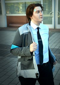 Cosplay-Cover: Connor [RK800]