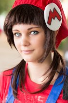 Cosplay-Cover: Mario Mario (gender bender)