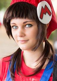 Cosplay-Cover: Mario Mario (gender bender)