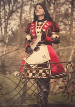 Cosplay-Cover: Alice - Royal Suit
