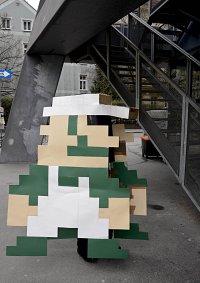 Cosplay-Cover: Luigi 8-Bit