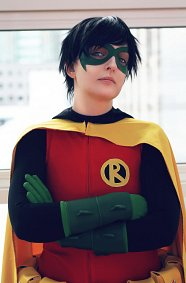 Cosplay-Cover: Robin (Damian Wayne)