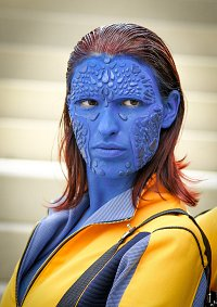 Cosplay-Cover: Mystique/ Raven Darkholme (First Class)