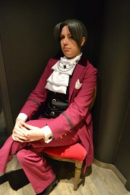 Cosplay-Cover: Miles Edgeworth (Takarazuka)