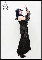 Cosplay-Cover: Königin Artemis (xnY Dancecrwe)