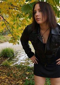 Cosplay-Cover: Posh Spice ~ Victoria Beckham (Black Dress/Leather
