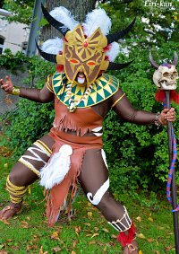 Cosplay-Cover: Witch Doctor