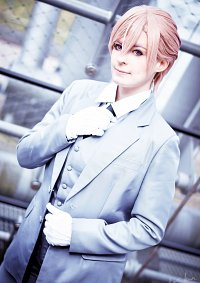 Cosplay-Cover: Shirotani Tadaomi