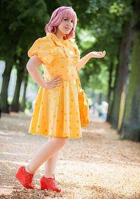 Cosplay-Cover: Mikako Kōda  - Yellow Dress