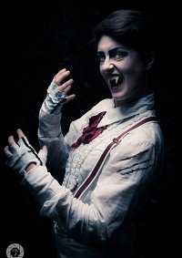 Cosplay-Cover: Nightmare Alfred/White Vampire