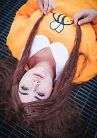 Cosplay-Cover: Bee