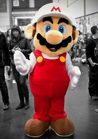 Cosplay-Cover: Feuer-Mario