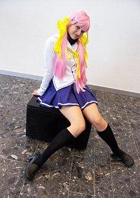 Cosplay-Cover: Nanaka Shirakawa (Schuluniform)