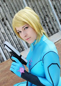 Cosplay-Cover: Samus Aran / Zero Suit Samus [Remake]