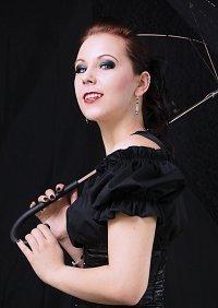 Cosplay-Cover: Vampir Lady Kaylachan in Black