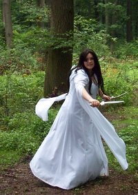 Cosplay-Cover: Kahlan Amnell - White Confessor Dress