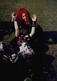 Cosplay-Cover: hide