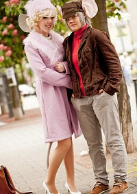 Cosplay-Cover: Bianca (Bernhard & Bianca)