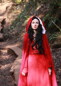 Cosplay-Cover: Morgana (red dress)