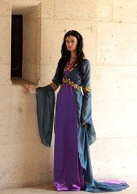 Cosplay-Cover: Morgana(lila Kleid - series1)