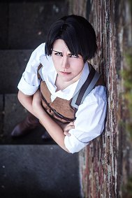 Cosplay-Cover: Levi Ackerman [No Regrets]