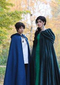 Cosplay-Cover: Lady Morgana (grüner Umhang)