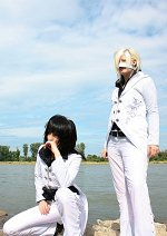 Cosplay-Cover: Reita [れいた] - PSCarnival 2005 (white suit)