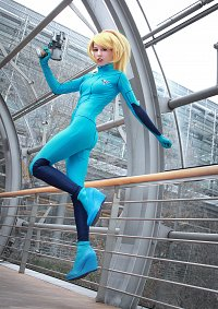 Cosplay-Cover: Samus Aran (Zero Suit)